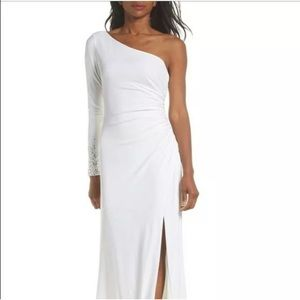 Vince Camuto One-Sleeve White Evening Dress